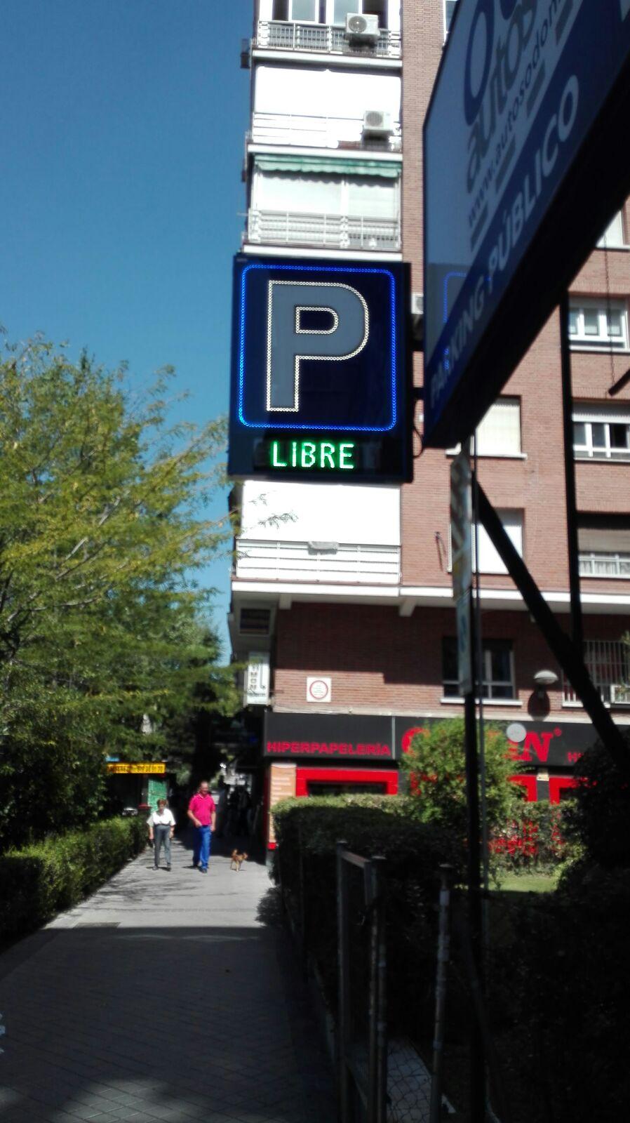 Rótulo led electrónico para parkings, modelo perfilado