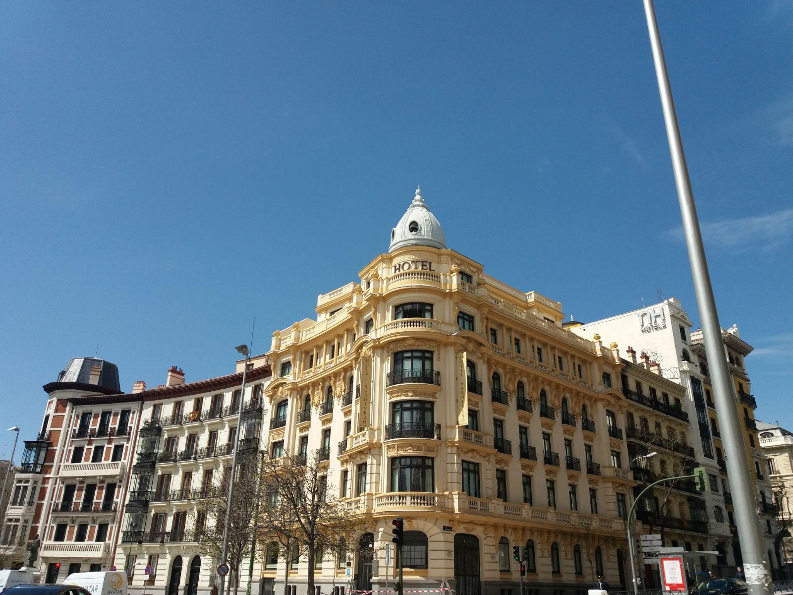 Fachada del hotel El Sardinero